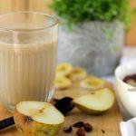Verre de thé chai au lait végétal sourde