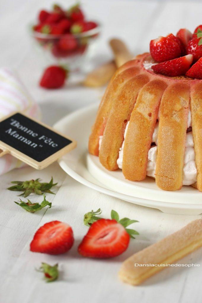 Charlotte aux fraises Tupperware pour le fête des mères