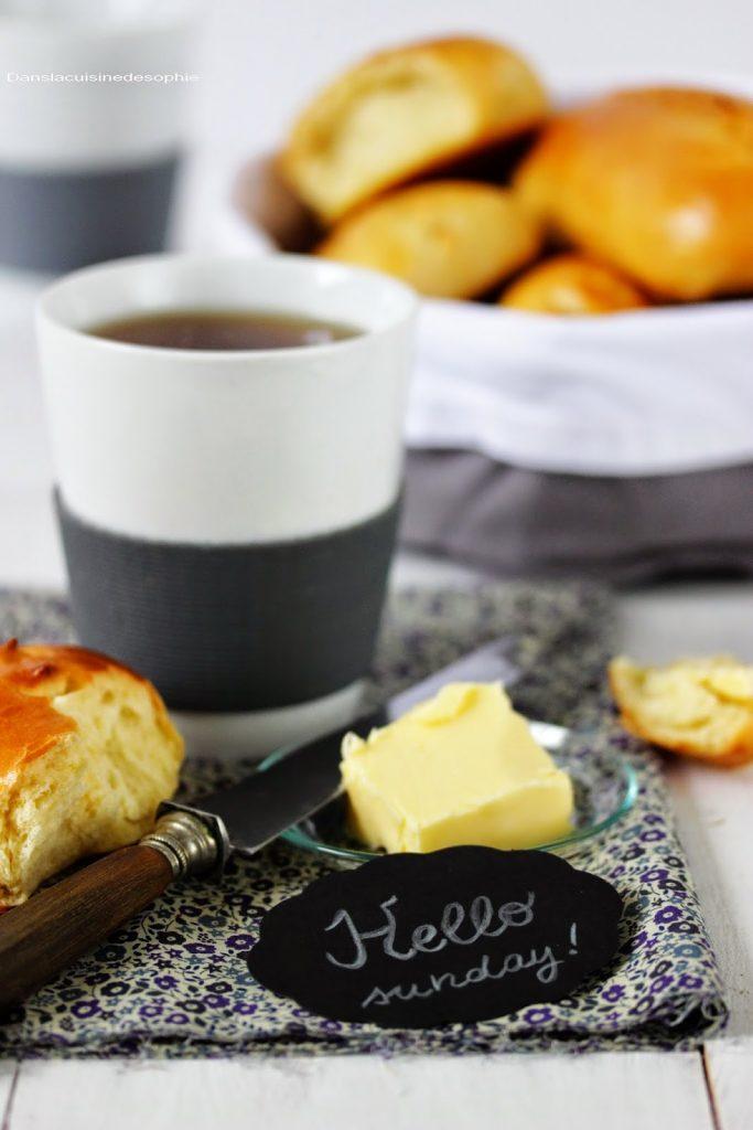Petits pains au lait pour le petit déjeuner