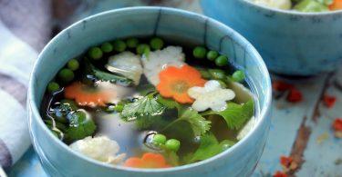 Bouillon d'infusion aux légumes détox