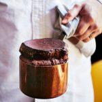 Soufflé au chocolat et armagnac de Julien Duboué