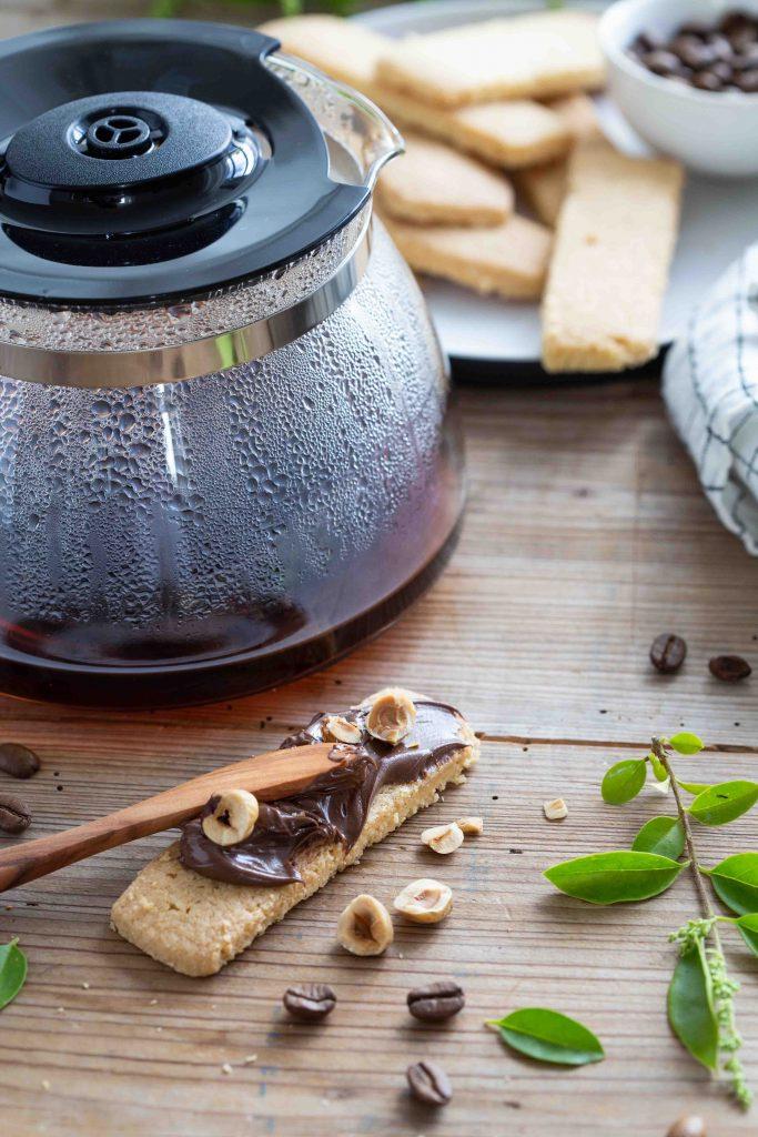 Verseuse à café filtre Aromafresh de Melitta et biscuit au beurre