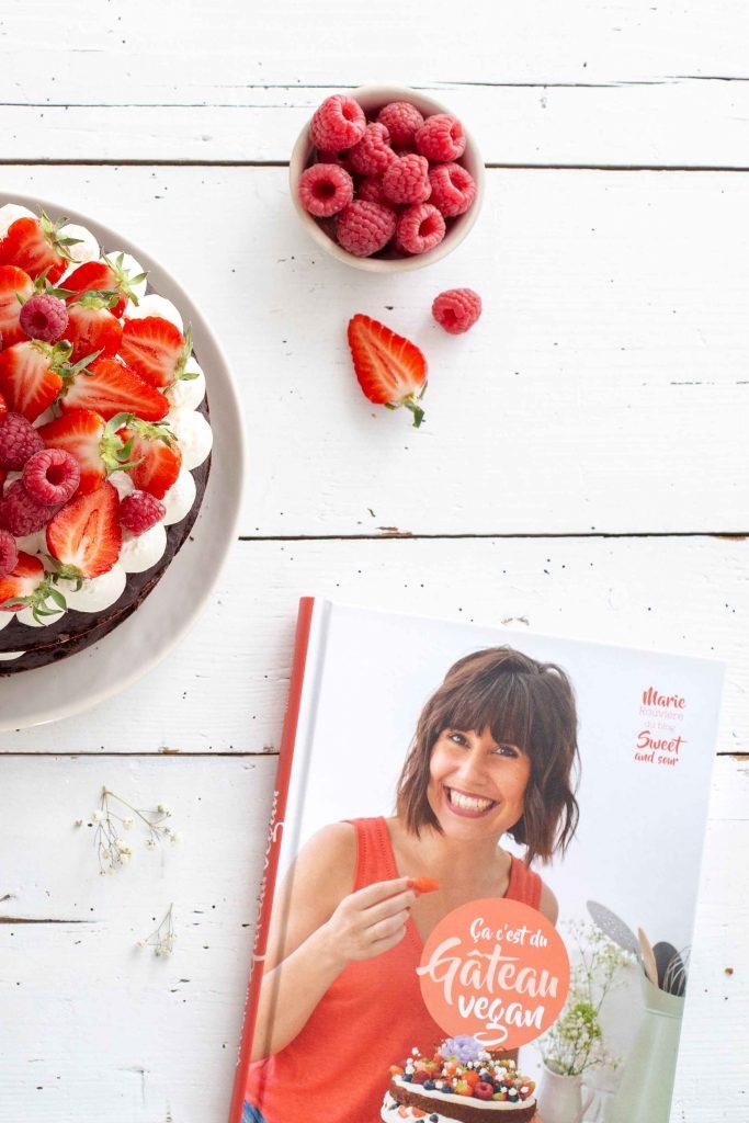 """Livre """"ça c'est du gâteau vegan"""" de Marie Rouvière aux éditions La Plage"""