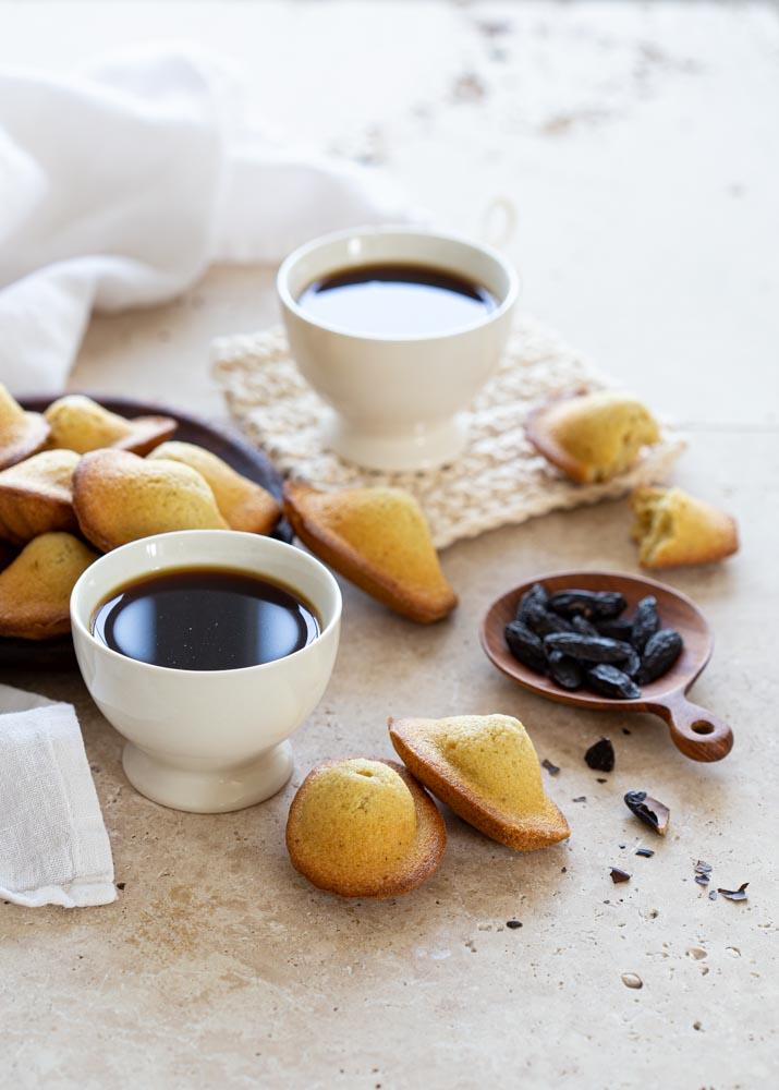 Madeleines à la fève tonka et café filtre pour le goûter