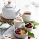 Matcha bowl vegan aux pistaches et cerises