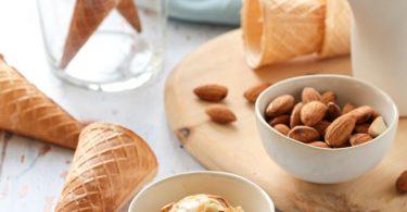 Crème glacée au lait d'amandes sans lactose
