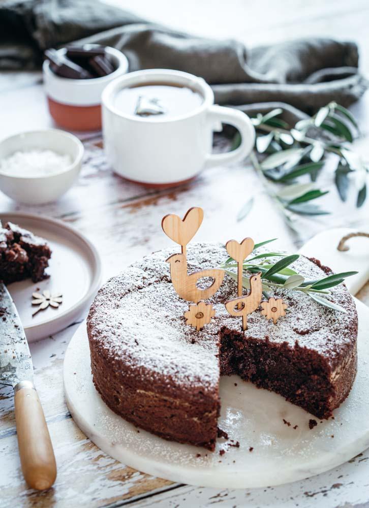 Torta Caprese gâteau italien au chocolat et aux amandes sans gluten pour le goûter