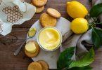 Lemon curd de Pierre Hermé vu de haut avec des sablés