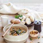 Velouté de champignons de Paris et châtaignes