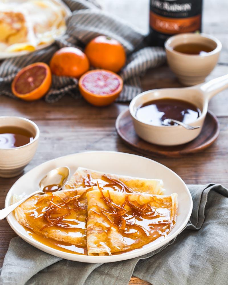 Assiette de crêpes Suzette - sauce à l'orange et au Grand Marnier - du chef pâtisser Benoît Castel