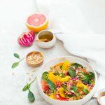 Salade vegan au quinoa, pamplemousse, orange et betterave chiogga