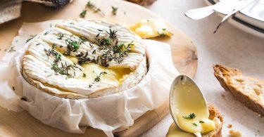 Camembert rôti au thym au four