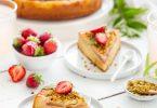 Gâteau renversé à la rhubarbe et aux pistaches