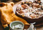 Gâteau moelleux sans farine aux poires et au chocolat pour le goûter