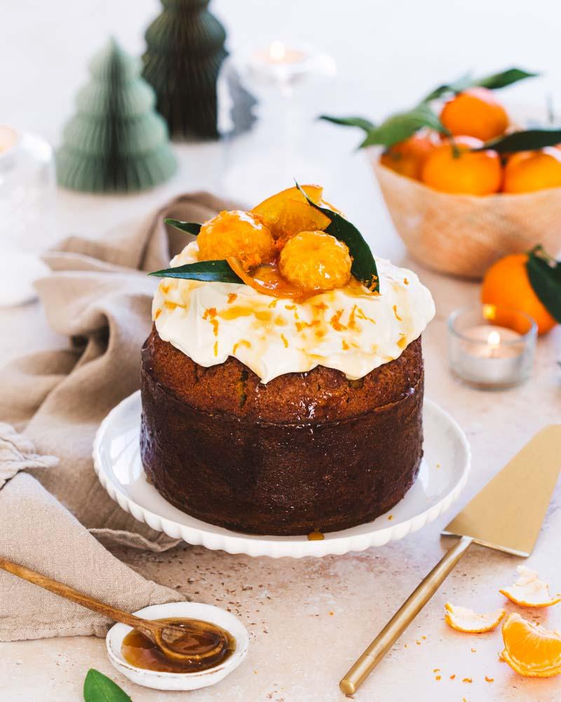 Gâteau aux zestes d'oranges recouvert de crème au fromage Philadelphia